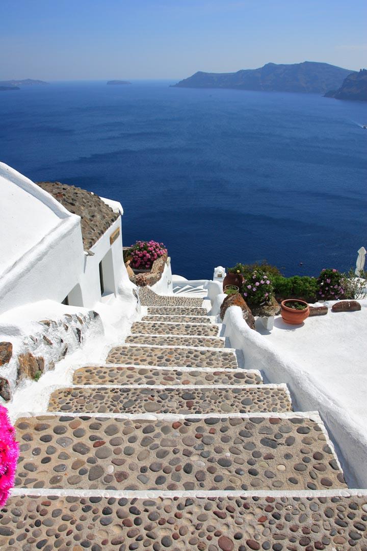 Фотообои ступеньки над морем
