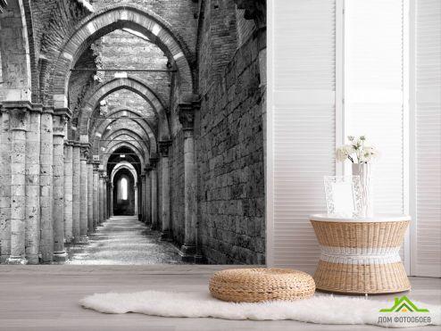 Расширяющие пространство Фотообои Старинный коридор с арками купить