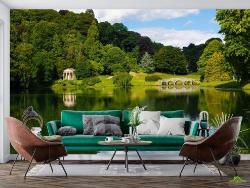 Природа Фотообои домик и мостик над озером