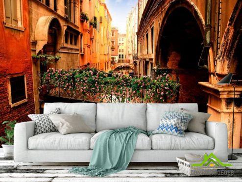 Венеция Фотообои Улочка в Венеции с цветами