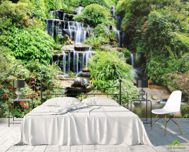 Фотообои водопад среди зелени